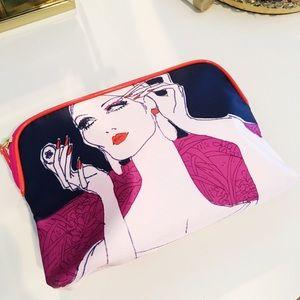 NEW Estée Lauder makeup case